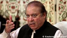 26.09.2017 *** Pakistan's former prime minister Nawaz Sharif speaks during a news conference in Islamabad, Pakistan September 26, 2017. REUTERS/Faisal Mahmood