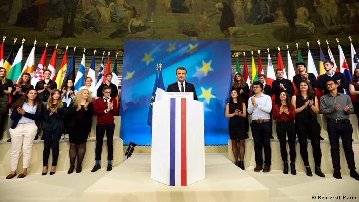 Emmanuel Macron hält seine Rede vor den Studenten in der Sorbonne-Uni