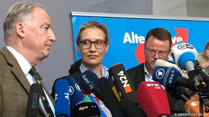 Erster Aufgalopp der AfD in Bundestag. Mit riesigem Medieninteresse.