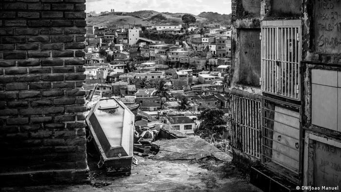 Caixão com vítima de assassinato em Pernambuco: em 2016, foram quase 25 mil assassinatos no Nordeste