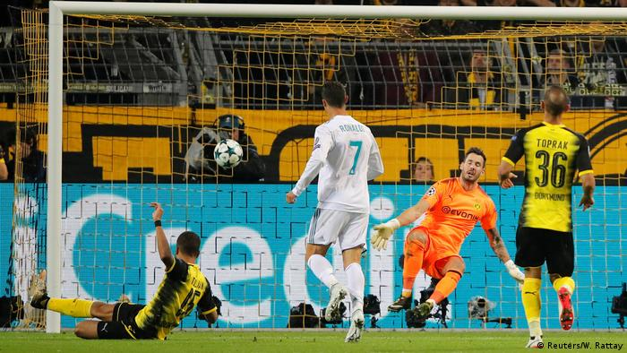 Fußball Champions League Borussia Dortmund v Real Madrid Tor durch Ronaldo (Reuters/W. Rattay)