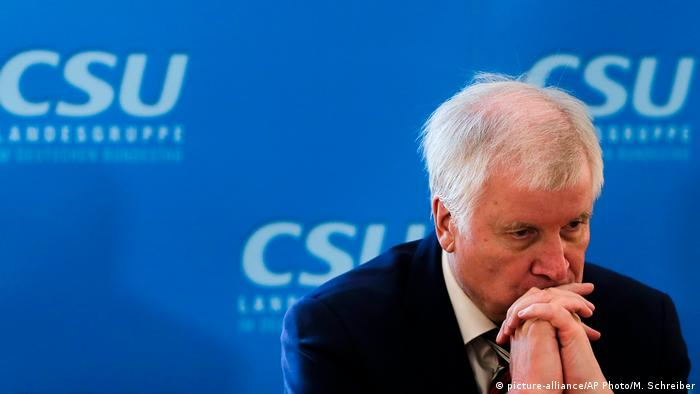 Deutschland Horst Seehofer in Berlin (picture-alliance/AP Photo/M. Schreiber)