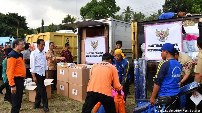 Indonesien, Präsident Joko Widodo in Flüchtlingscamp auf Bali (Laily Rachev/Biro Pers Setpres)