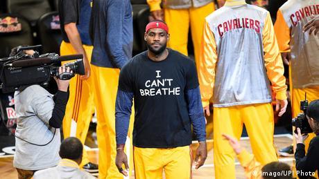 USA LeBron James wearing an I can t Breathe shirt (imago/UPI Photo)