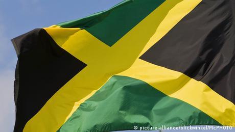 Jamaika Flagge (picture-alliance/blickwinkel/McPHOTO)