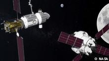 HANDOUT - Die undatierte Computergrafik zeigt die geplante Raumstation «Deep Space Gateway» (l) und das Raumfahrzeug Orion. Russland und die USAwollen gemeinsam die Entwicklung einer bemannten Raumstation im Mond-Orbit vorantreiben. (zu dpa «Russland will mit USA Raumstation im Mond-Orbit vorantreiben» vom 27.09.2017) ACHTUNG:Verwendung nur zu redaktionellen Zwecken in Verbindung mit der Berichterstattung bei vollständiger Quellenangabe. Foto: -/NASA/dpa +++(c) dpa - Bildfunk+++ | Verwendung weltweit