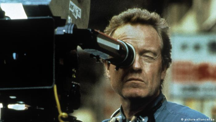 Ridley Scott behind the camera (picture-alliance/kpa)