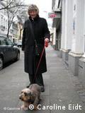Barbara Herzog passeia com Ricky