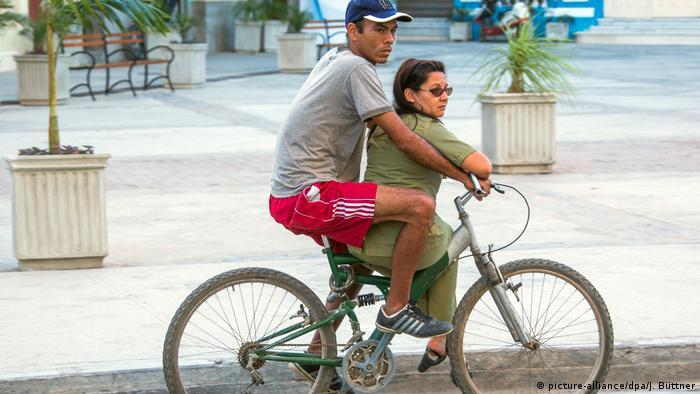 Kuba fährt Rad (picture-alliance/dpa/J. Büttner)