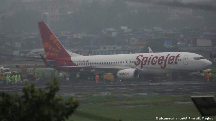 Indien Spice Jet (picture-alliance/AP Photo/R. Magbool)