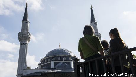 Tag der offenen Moschee in Berlin (picture-alliance/dpa/P. Zinken)