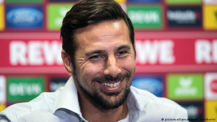 Low-scoring Cologne sign veteran striker Claudio Pizarro