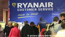 21.09.2017 Ryanair cancellations. The Ryanair customer service desk at Dublin Airport, as the crisis over pilot shortages and warnings that crews are rejecting cash bonuses to commit to the airline will be addressed. Picture date: Thursday September 21, 2017. See PA story AIR Ryanair. Photo credit should read: Niall Carson/PA Wire URN:32933396 |