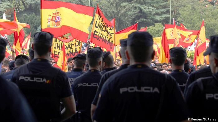 Spanien Referendum Katalonien Demonstration - Polizei (Reuters/S. Perez)