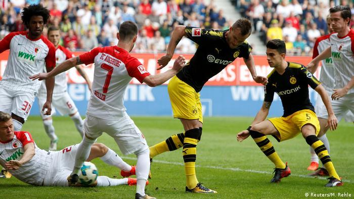 Bundesliga - FC Augsburg v Borussia Dortmund (Reuters/M. Rehle)