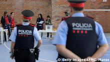Spanien Referendum Katalonien Polizei (Getty Images/AFP/C. Manso)