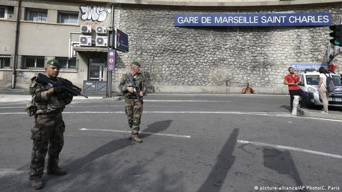 Frankreich Marseille Messerattacke Bahnhof Saint-Charles (picture-alliance/AP Photo/C. Paris)