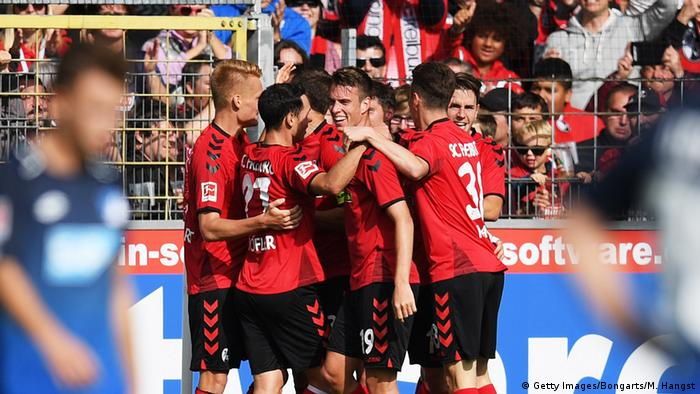 Fußball Bundesliga Sport-Club Freiburg v TSG 1899 Hoffenheim - Bundesliga Sieg, Jubel Freibung (Getty Images/Bongarts/M. Hangst)