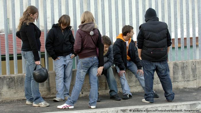 Italien Arbeitslosigkeit bei Jugendlichen (picture-alliance/Photoshot/Sintesi/L. Innamorati)