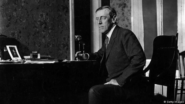 Woodrow Wilson, el presidente número 28 de EE. UU., también recibió el premio por sus contribuciones al fin de la Primera Guerra Mundial y a la fundación de la Liga de las Naciones, considerada precursora indirecta de la ONU.