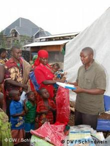 UN staff distribute aid