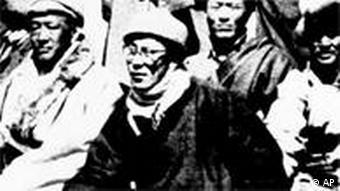 Tibet Dalai Lama (Mitte) mit Kämpfern nach seiner Flucht vor Verfolgung aus Tibet nach Indien