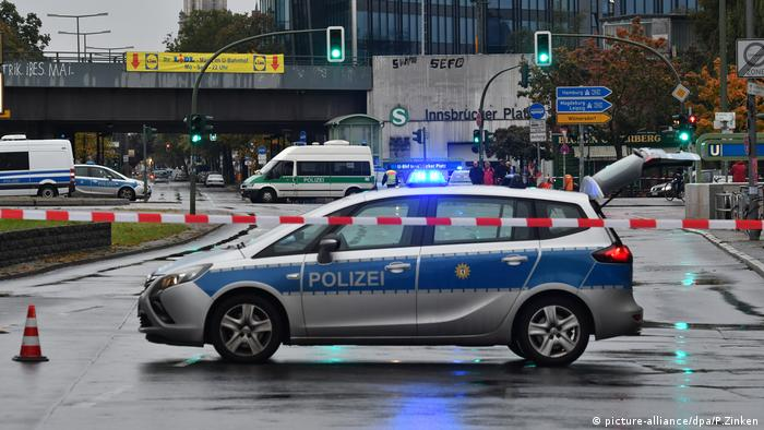 Bombenfund am Innsbrucker Platz (picture-alliance/dpa/P.Zinken)