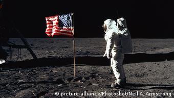 Apollo 11 misyonu ile 20 Temmuz 1969'da Ay'a ayak basan ilk insanlardan biri olan Astronot Buzz Aldrin