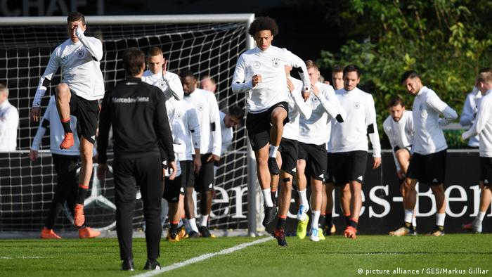 GES/ Fussball/ DFB-Training, Frankfurt, 03.10.2017 (picture alliance / GES/Markus Gilliar)