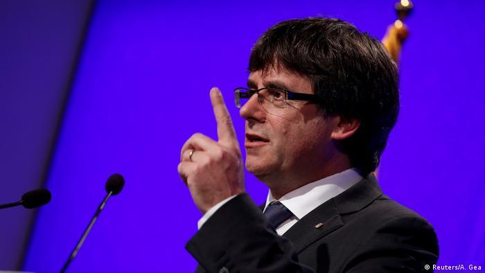Spanien Barcelona Carles Puigdemont (Reuters/A. Gea)