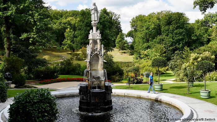 Готический фонтан в Бабельсберге