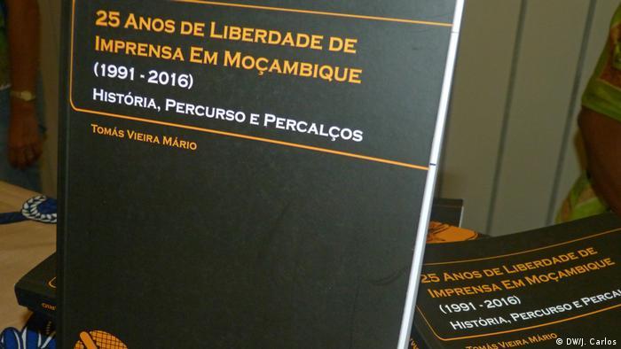 Portugal Tomás Vieira Mário Buch 25 Anos de Liberdade de Imprensa em Moçambique