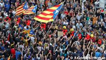Spanien Protest gegen Verbot des Referendums in Barcelona (Reuters/Y. Herman)