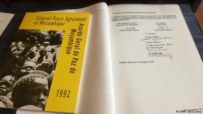 Dokument Friedensvertrag Mosambik