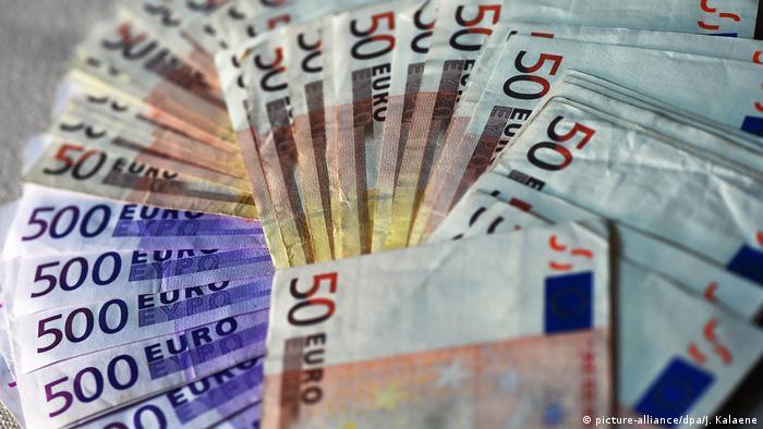 Symbolbild Geld & Steuern