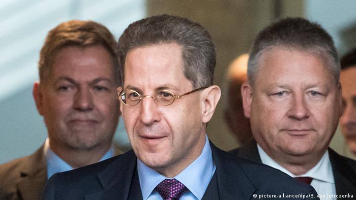 Berlin Bundestag Kontrollgremium befragt die Geheimdienstchefs