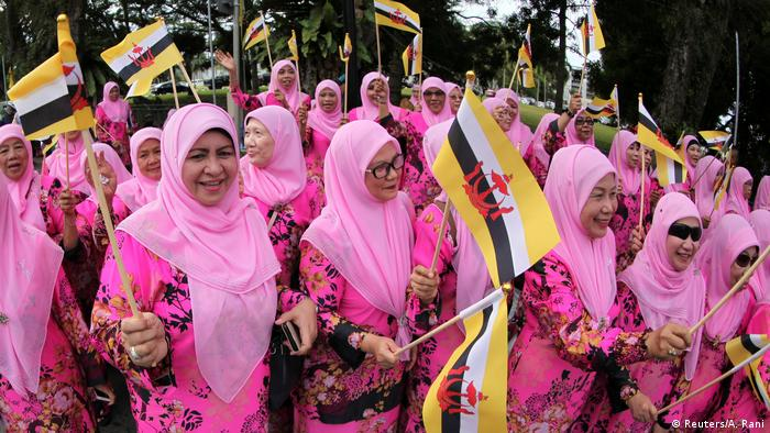 Tens of thousands of well-wishers in Brunei