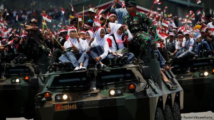 Indonesien Cilegon 72. Jahrestag des Militärs (Reuters/Beawiharta)