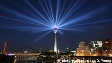 Deutschland Düsseldorf Lichtinstallation zur Tour de France