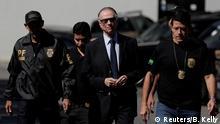 Brasilien COB-Präsident Carlos Arthur Nuzman kommt ins Polizeipräsidium in Rio de Janeiro an
