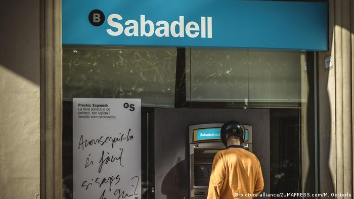 Spanien Sabadell-Bank in Barcelona (picture-alliance/ZUMAPRESS.com/M. Oesterle)
