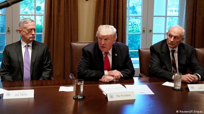 Donald Trump Treffen mit Militärführung