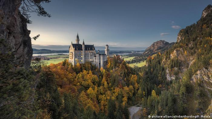 Neuschwanstein castle (picture-alliance/robertharding/R. Moiola)