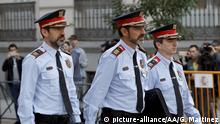 06.10.2017 MADRID, SPAIN - OCTOBER 6: Chief of the Catalan police Mossos d'Esquadra, Josep Lluis Trapero (C) arrives at at the national audience to declare for a crime of sedition, in Madrid, Spain on October 6, 2017. Guillermo Martinez / Anadolu Agency |