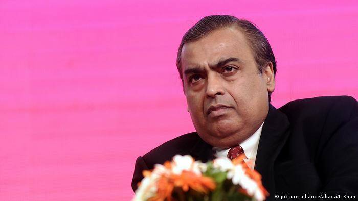 موکش آمبانی مالک و بنیانگذار پالایشگاه جام نگر با ۸۴ میلیارد و ۵۰۰ میلیون دلار از میلیاردرهای ساکن مومبای هند است.