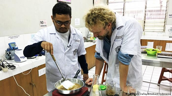 Founders of edible insect start-up cook insect ramen in the lab. (Founders Valley/Biteback Indonesia)