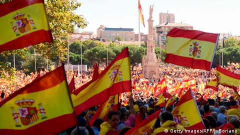 Spanien Madrid Demonstration gegen Unabbhähigkeit Kataloniens (Getty Images/AFP/J. Soriano)
