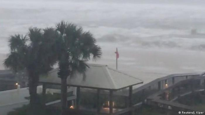 Ураган Нейт досяг узбережжя США