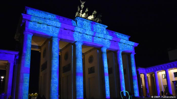 DW Euromaxx- Festival of Lights Berlin (DW/P. Falkenstein)