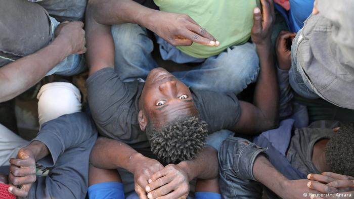 Libyen Flüchtlinge in Sabratha (Reuters/H. Amara)